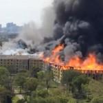 【驚愕】ヒューストンのアパートで大火災!残された作業員の運命は!?